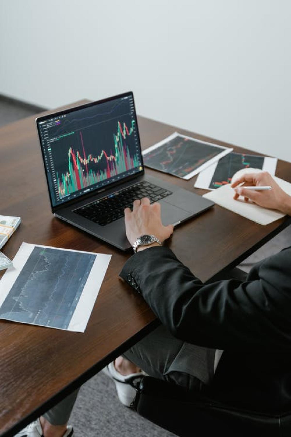 graph economy corporate