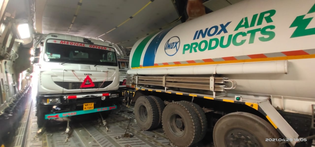 Indore: Three empty oxygen tankers airlifted by IAF, the loaded tankers will return by road route