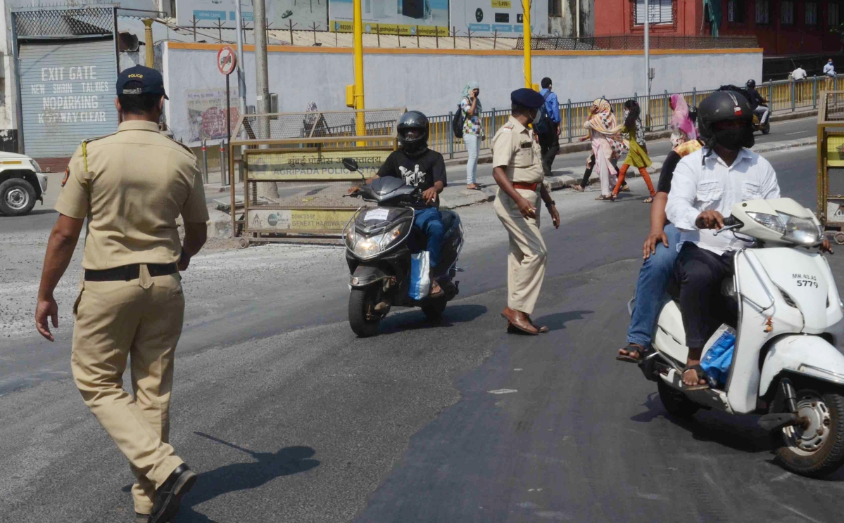 Mumbai Police books 1,058 over the weekend for flouting COVID-19 norms