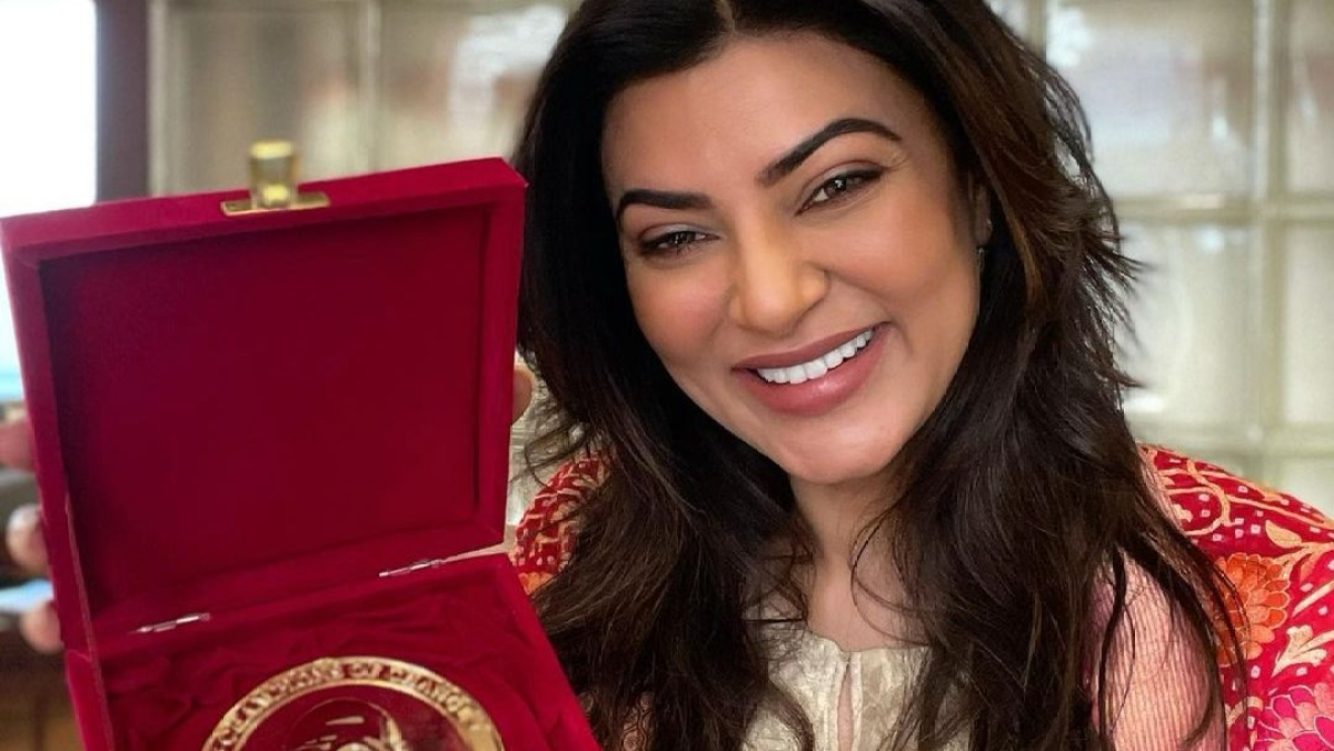 Watch: Netizens more concerned about Sushmita Sen's lips than her National award win in latest video