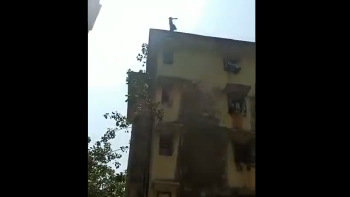 Mumbai: Woman trying to jump off building terrace rescued by Tardeo police