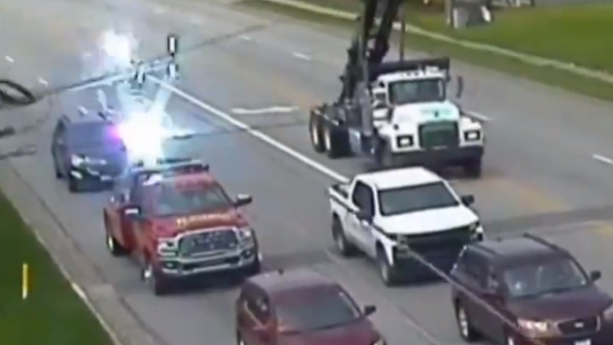 VIRAL: Car in Ohio narrowly escapes crashing electricity pylon; watch shocking video here