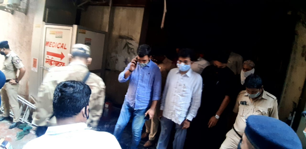 BJP leader Kirit Somaiya visited the Prime Criticare Hospital in Mumbra