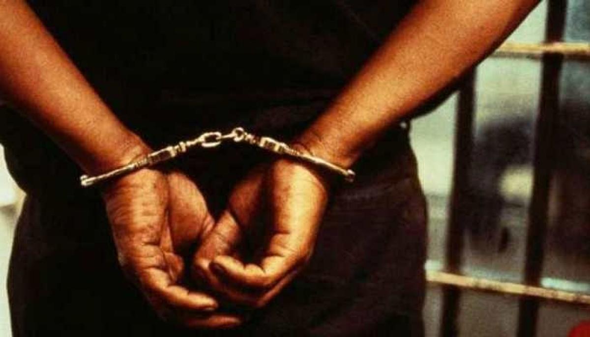 Mumbai: CBI arrests 2 I-T inspectors for accepting Rs 15L bribe