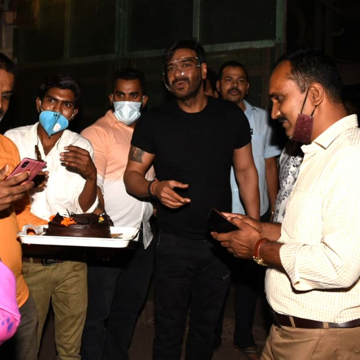 Amid night curfew, Ajay Devgn celebrates birthday with fans outside his Mumbai residence