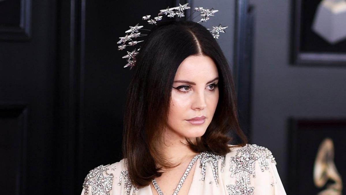 Singer Lana Del Rey faces backlash after sharing photos of Queen Elizabeth, Prince Philip
