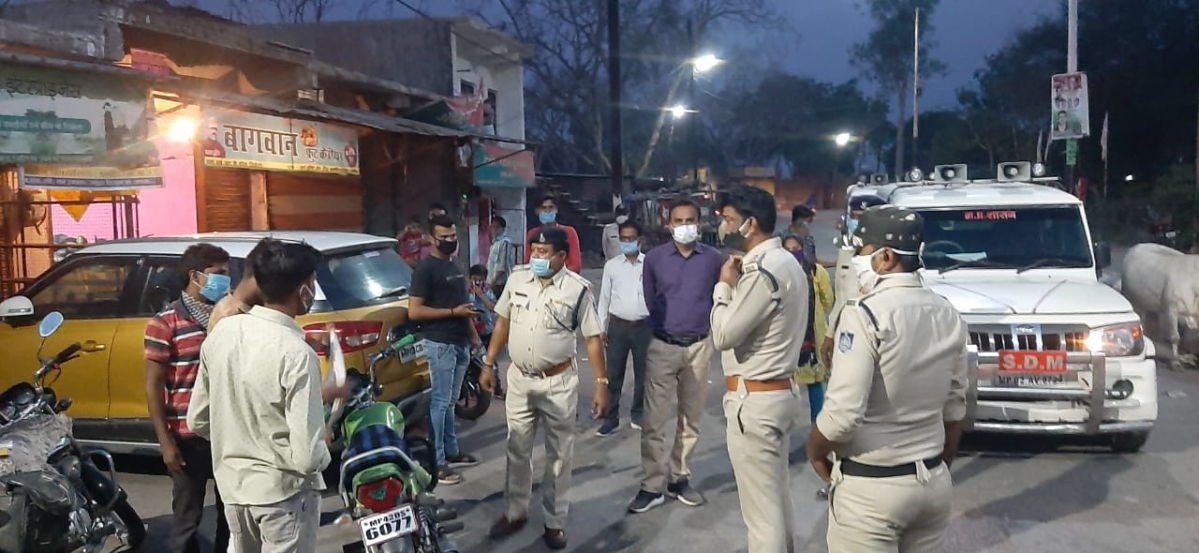 Madhya Pradesh: Covid cases spike but people overlook lockdown in Alot