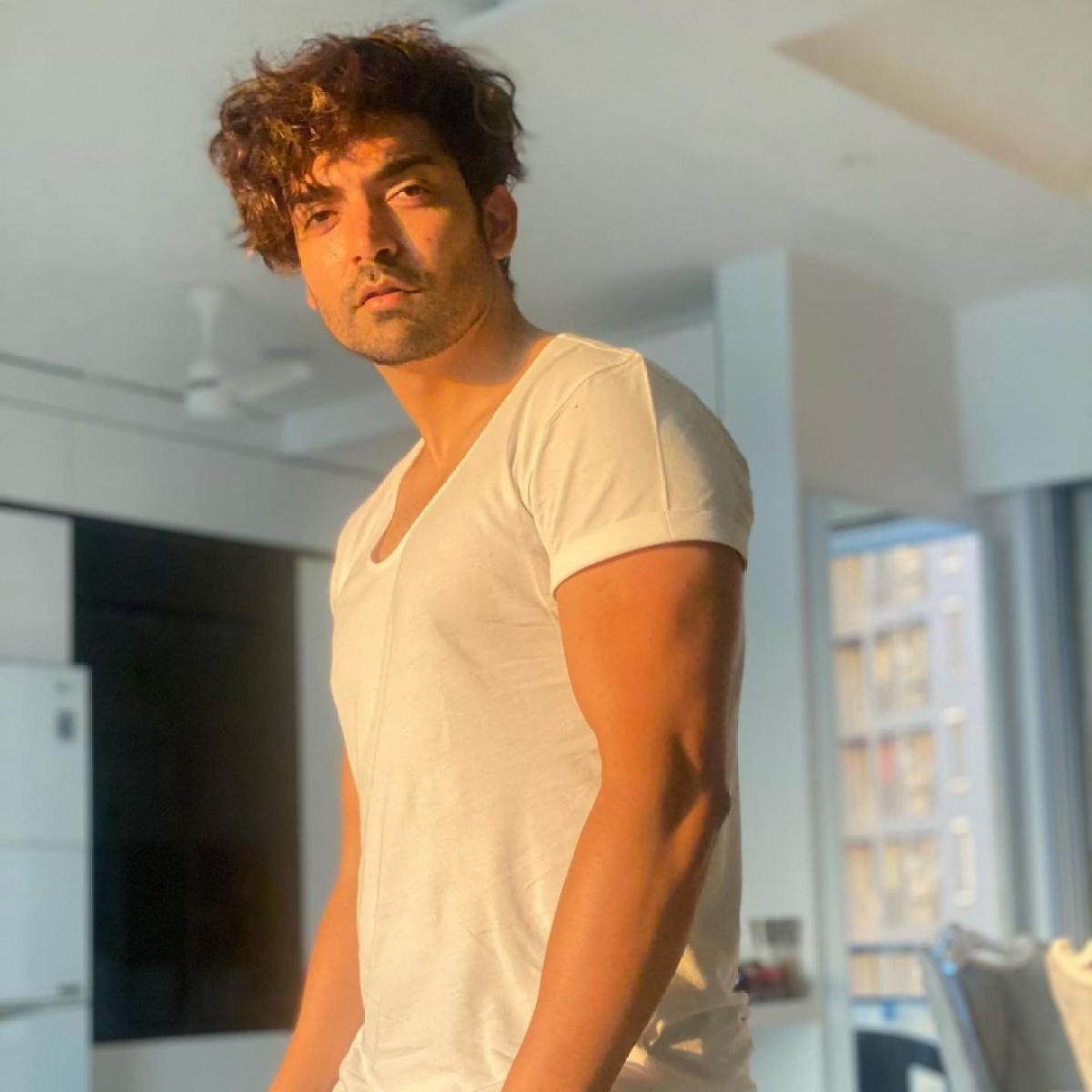 Gurmeet Choudhary to open 1000-bed COVID-19 hospitals in Lucknow, Patna