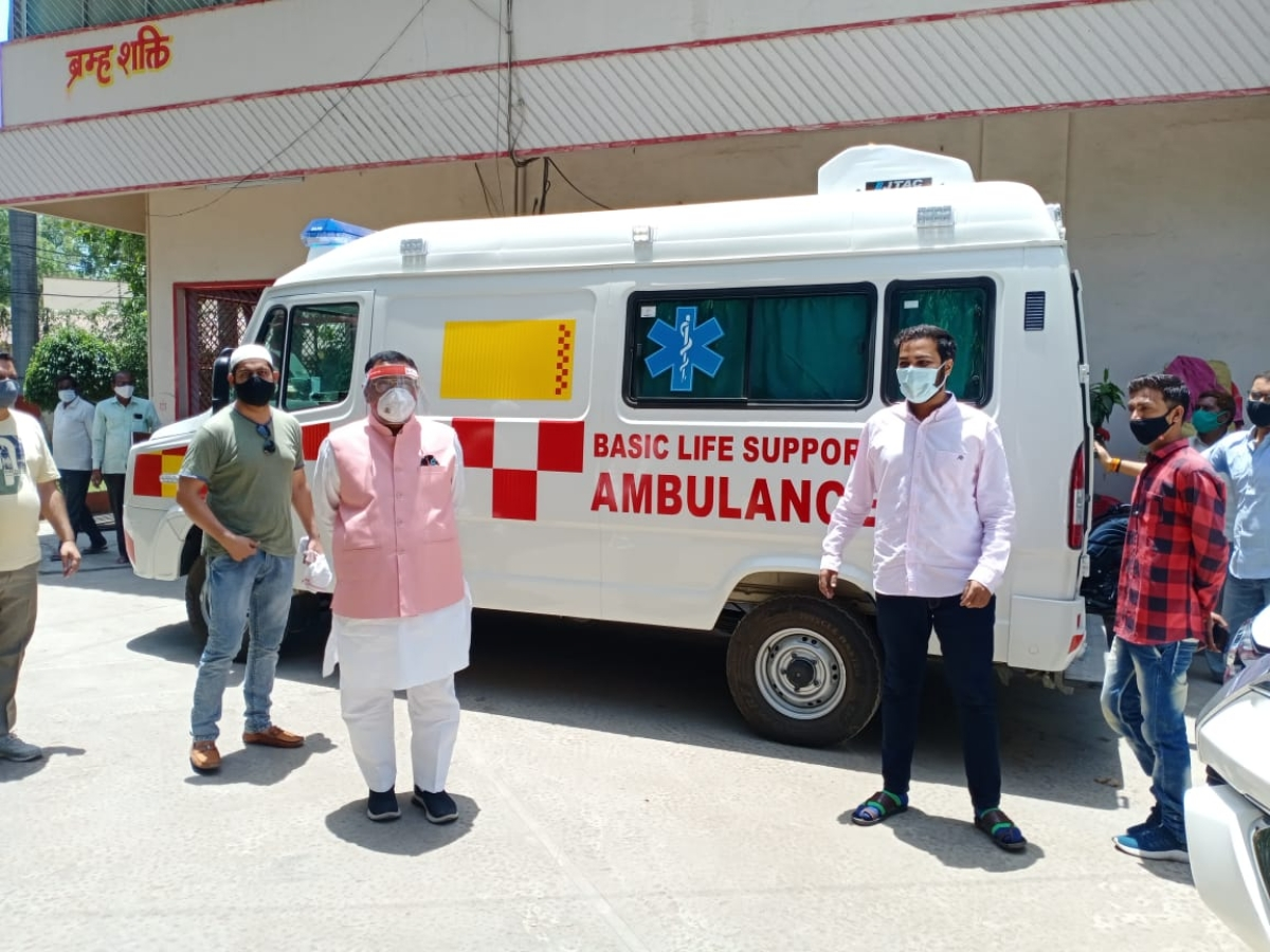 Madhya Pradesh: Burhanpur independent MLA Shera Bhaiya gifts hi-tech ambulance to district hospital