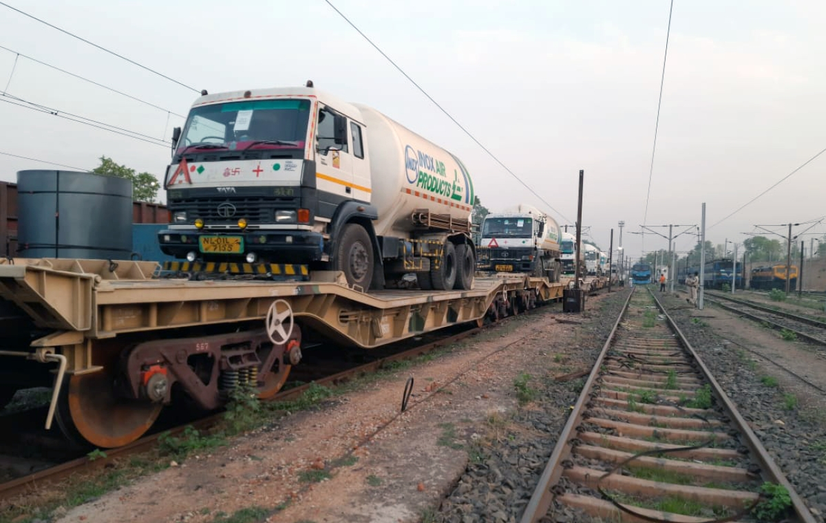 Oxygen Express leaves for Madhya Pradesh from Bokaro on Tuesday.
