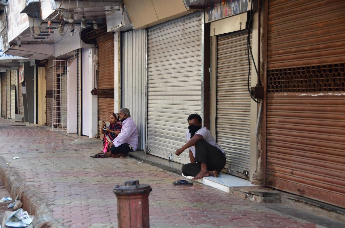 Uttar Pradesh: Amid rising COVID-19 cases, traders impose self-lockdown in Lucknow to break coronavirus chain
