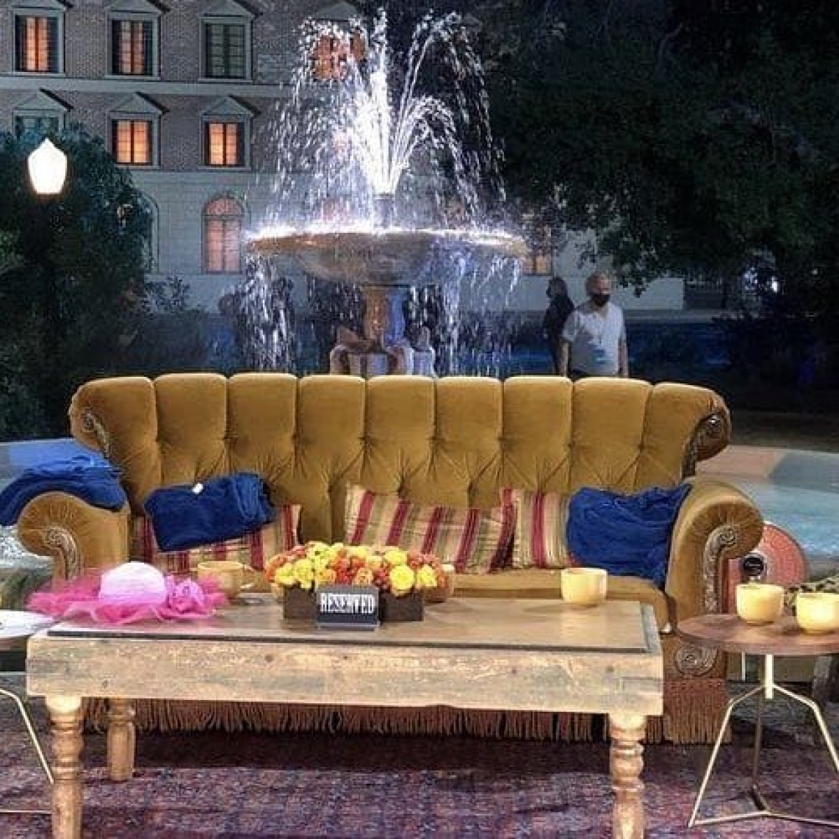 'Friends reunion' to use original stage, fountain for the nostalgic sequel