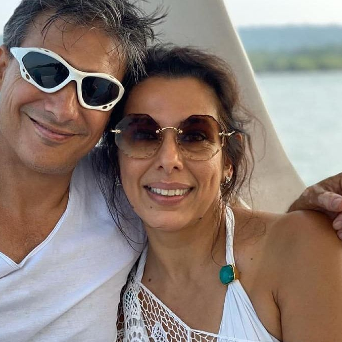 Pooja Bedi hits back at Twitter user who called out her 'privilege' in unmasked Goa beach video