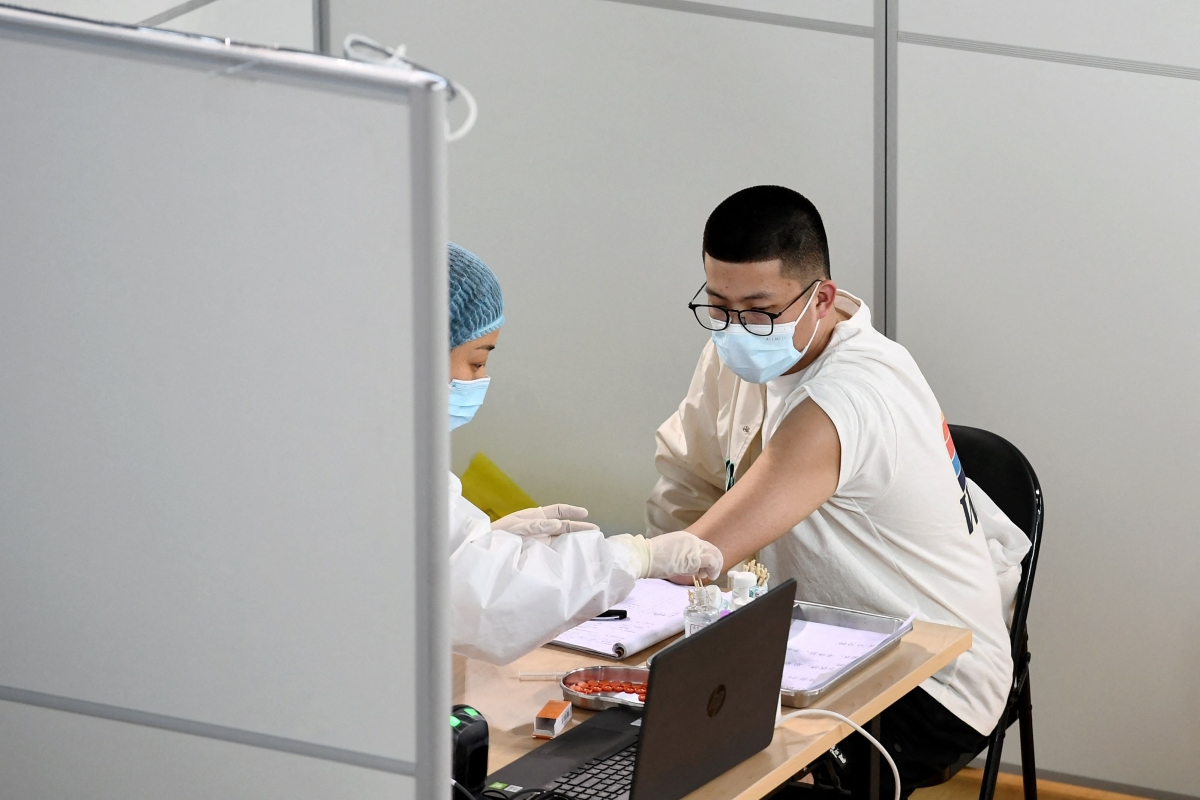 Top official admits Chinese vaccines have low effectiveness