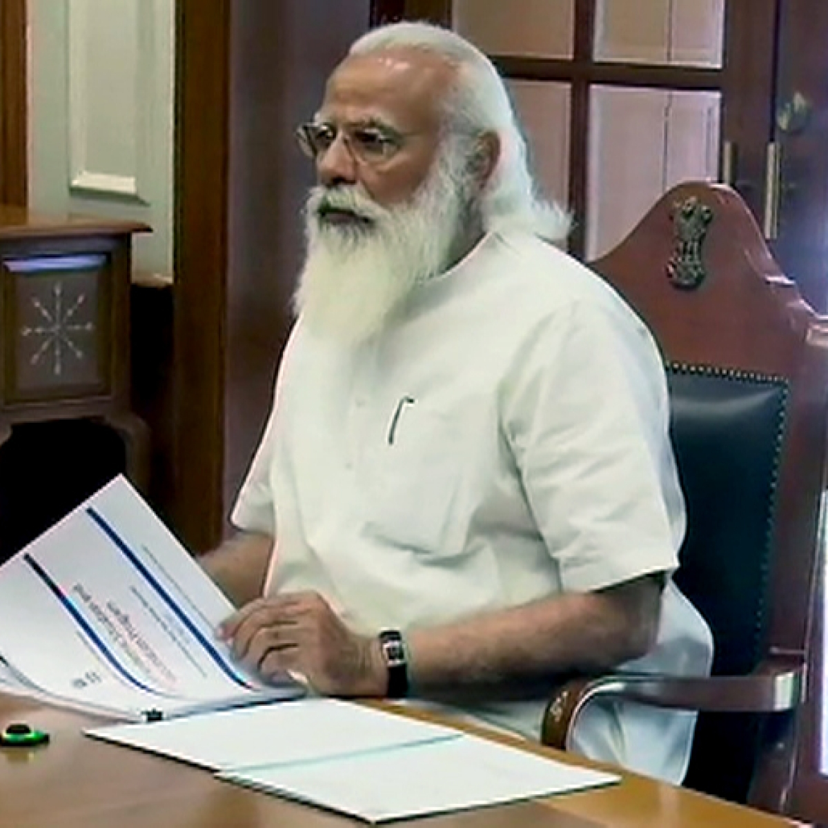As India records whopping 2.73 lakh new COVID-19 cases, PM Modi chairs meeting to review situation