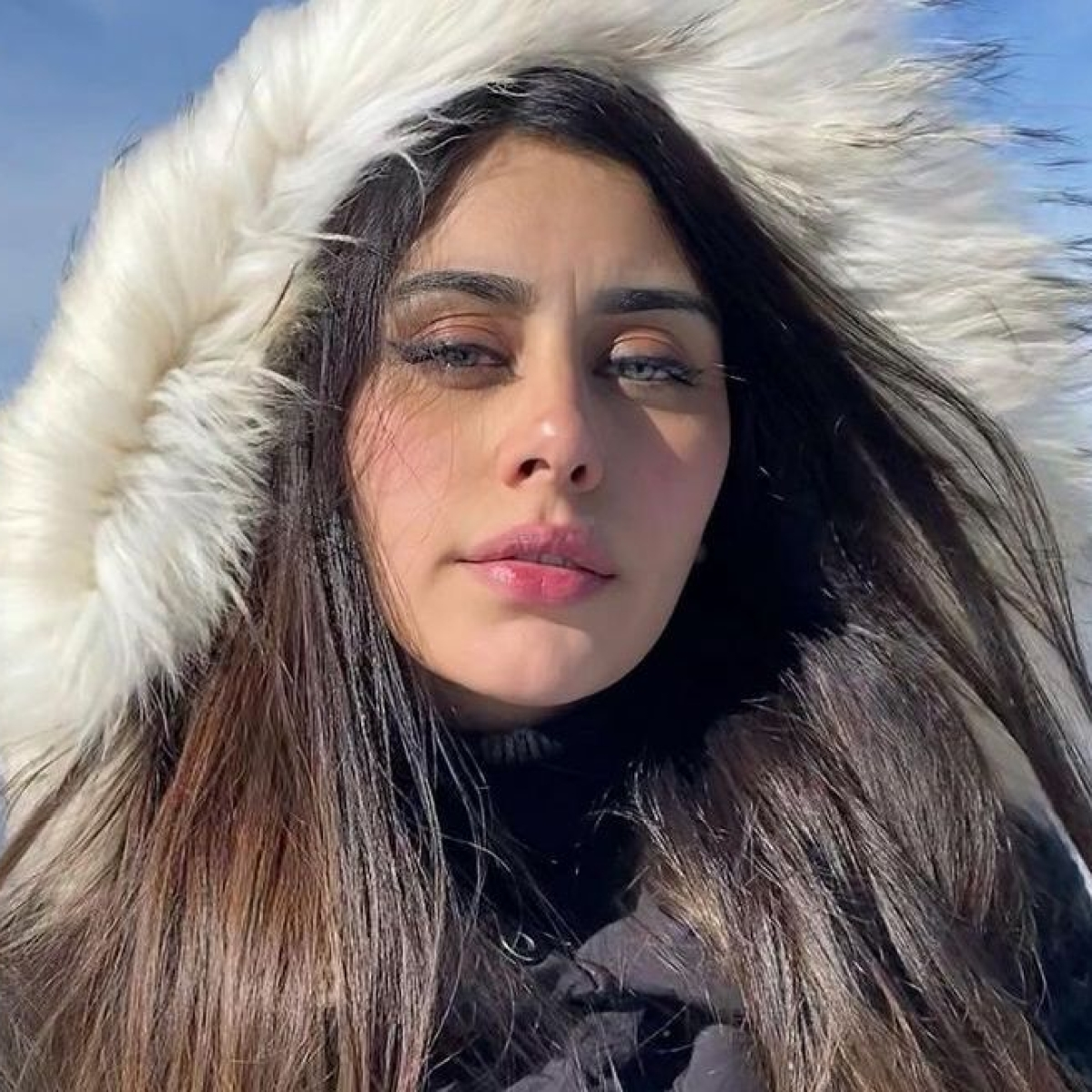 After Aamir Khan, 'Loveyatri' actress Warina Hussain quits social media