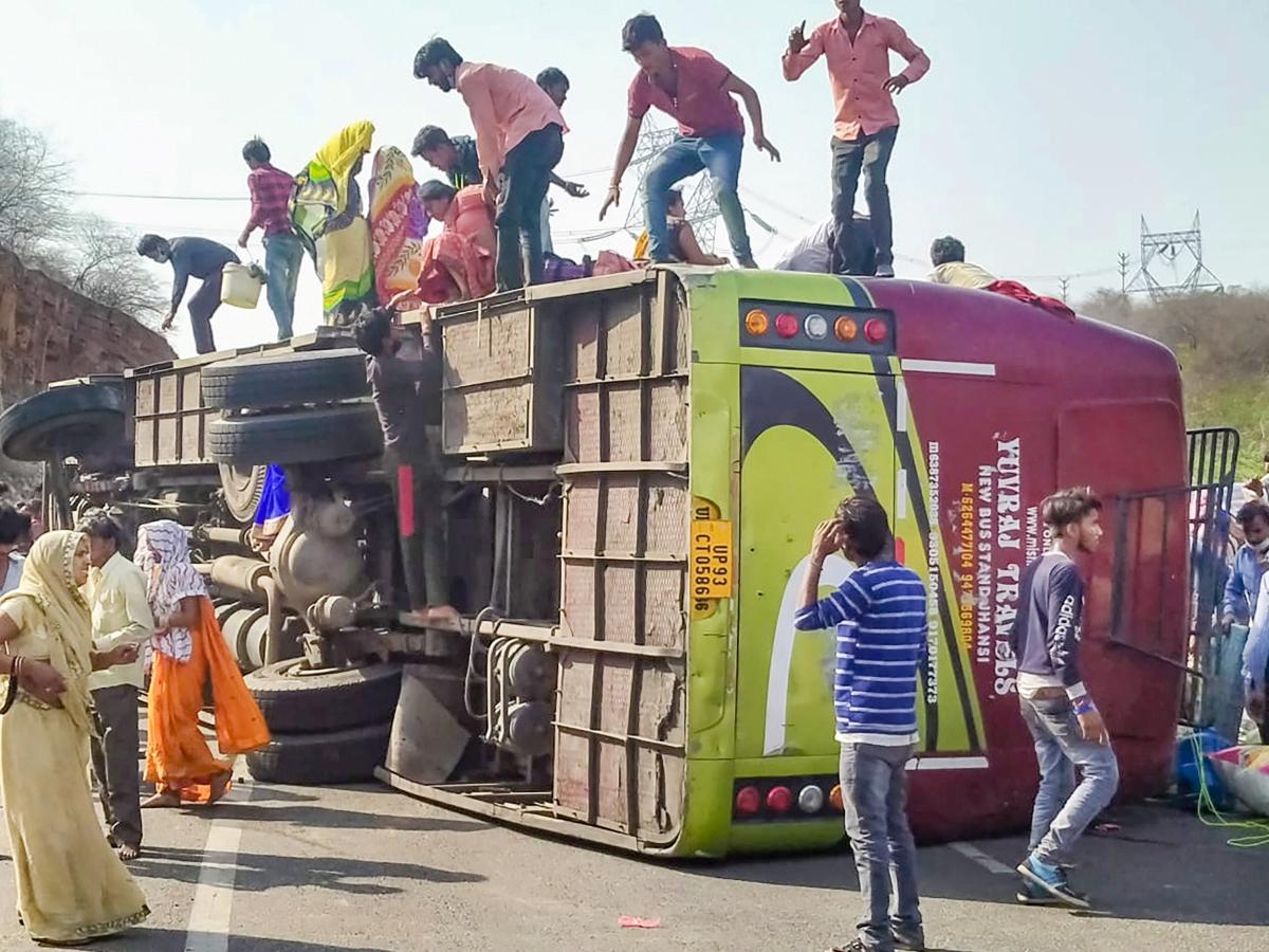 Madhya Pradesh: Three migrant workers killed, 12 hurt as packed bus overturns