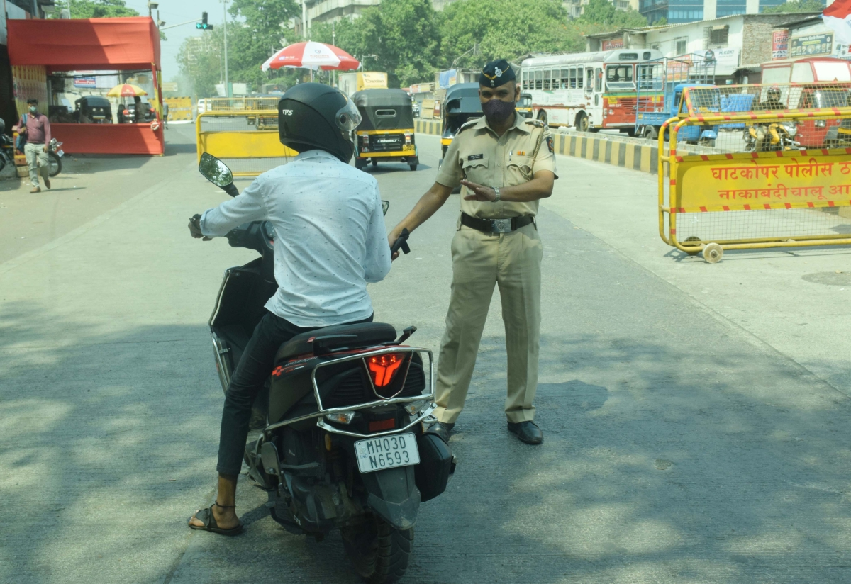 Mumbai Police books 856 persons, impounds 153 vehicles for violating COVID-19 norms