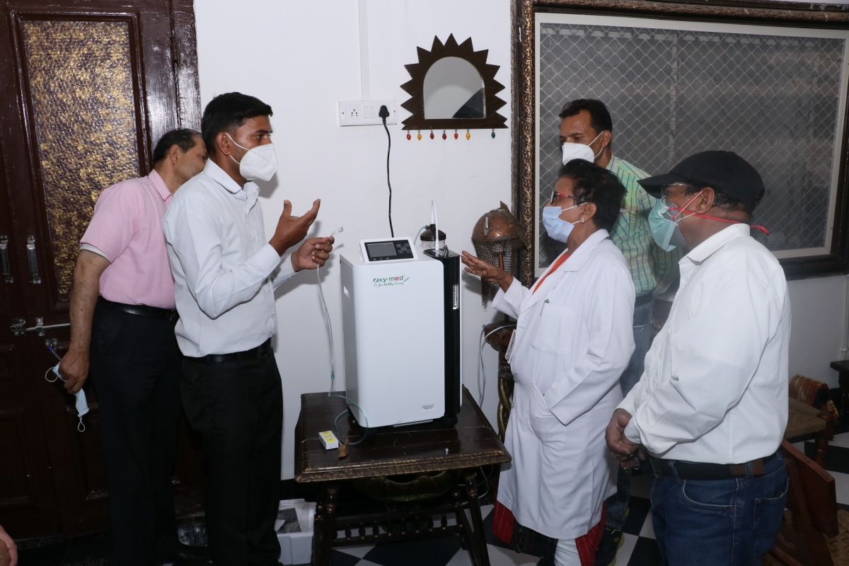 Oxygen concentrators were installed in Dhar district on Saturday