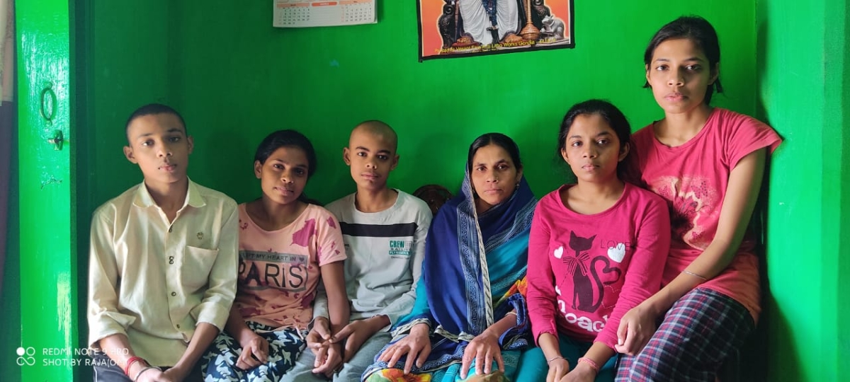 Balaghat: 2 Covid patients among 5 members die in 15 days, family left with 5 children and a woman