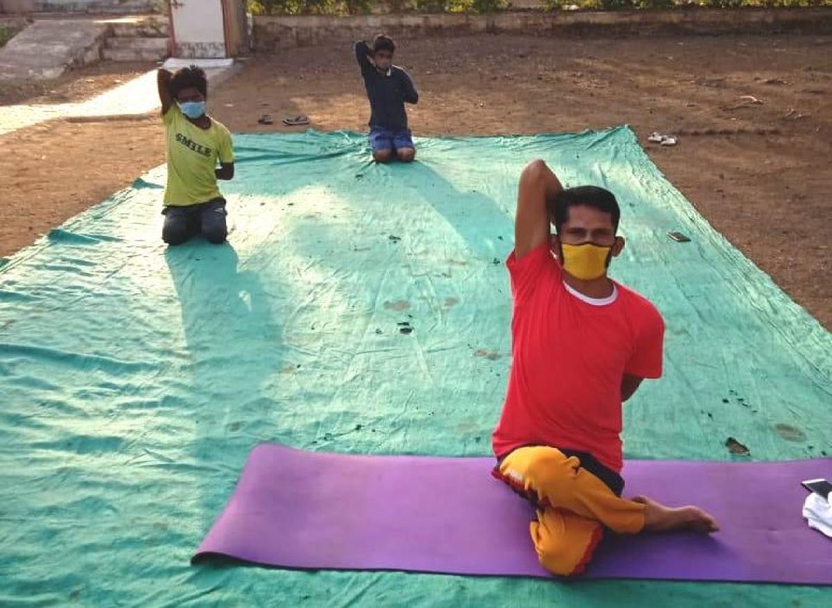MADHYA PRADESH: Yoga sessions leads to speedy recovery of corona patients in Barwani