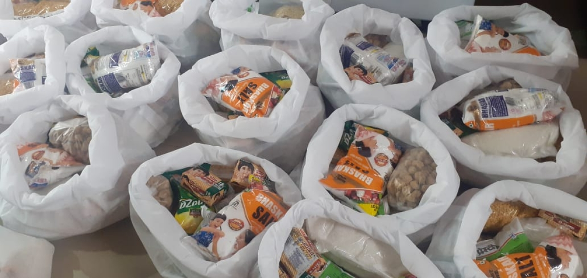 Indore: Before Pentecost, Christian volunteers reach out needy, provide meals