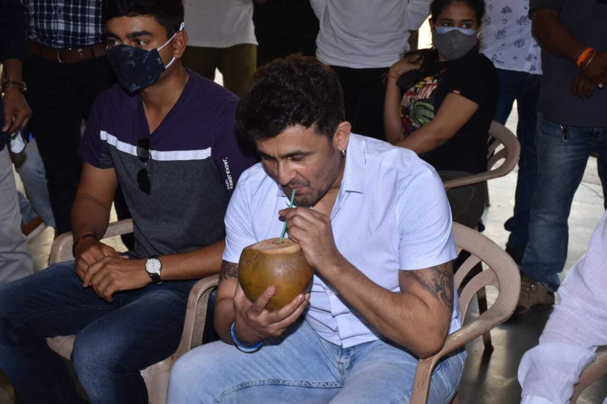 Sonu Nigam at blood donation camp on Wednesday