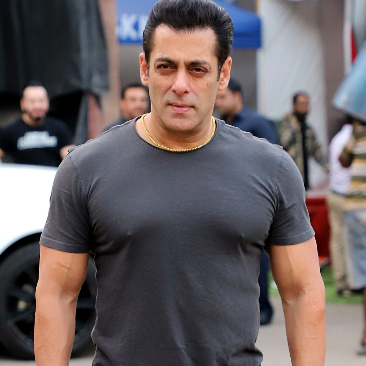 'Radhe' on Eid: Salman Khan urges fans not to gather outside his house