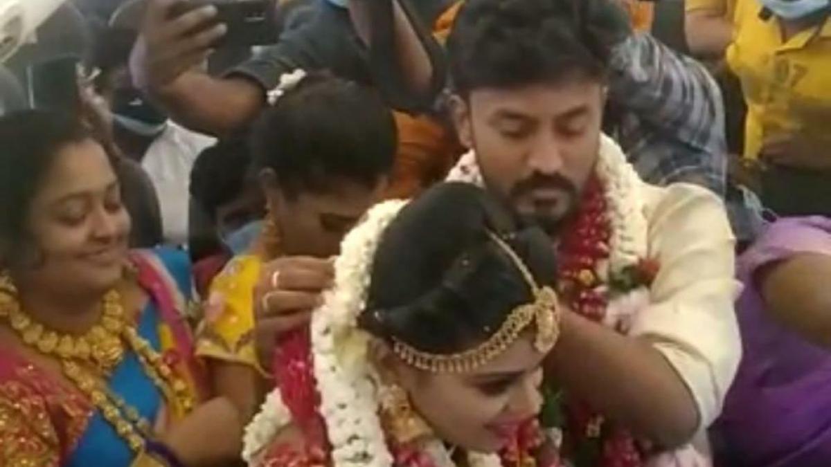 Watch: Madurai couple get married on board SpiceJet chartered flight amid lockdown; DGCA orders probe, crew taken off duty