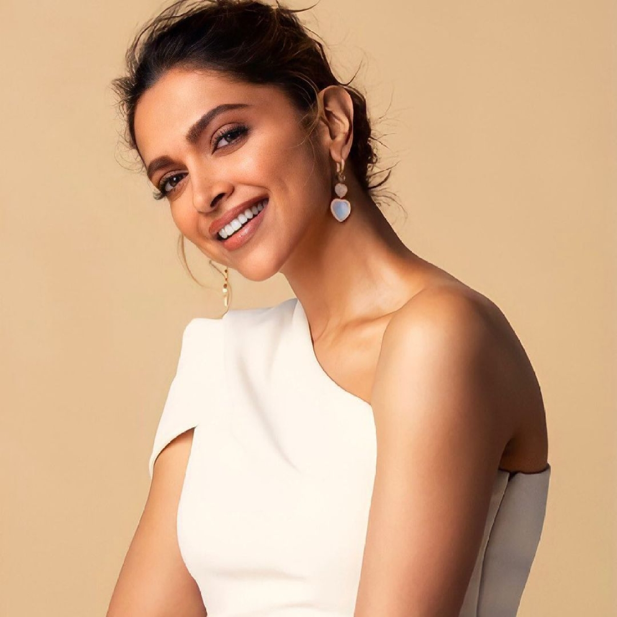Deepika Padukone shares mental health helplines amid COVID-19 crisis, netizens ask actor to 'open her purse and donate' instead