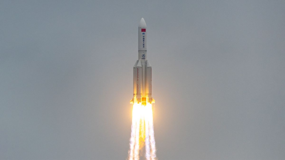 US is tracking China's rocket about to fall on earth, but Twitterati can't keep calm