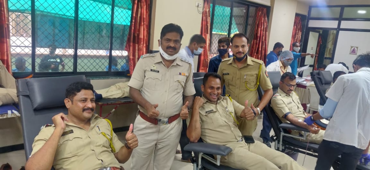 Vile Parle Police organised the blood donation camp
