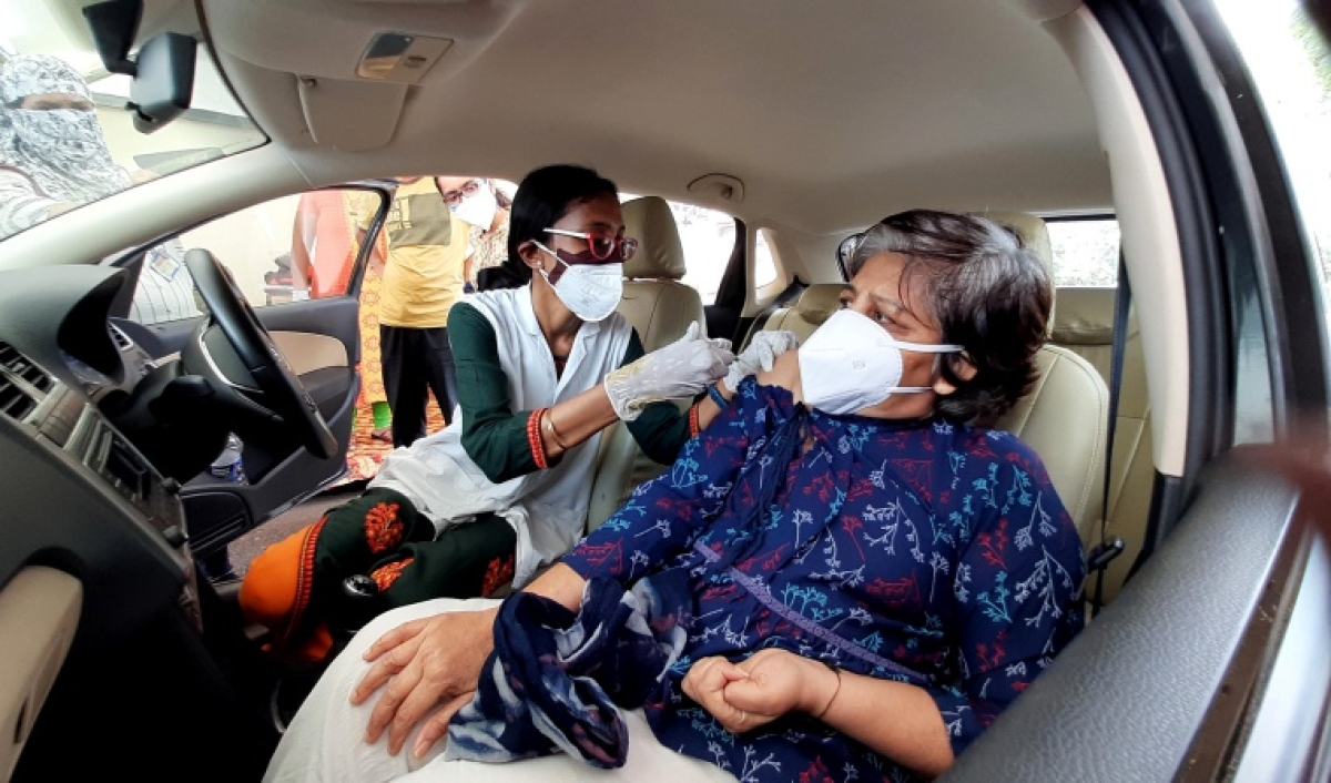 Mumbai: BMC starts drive-in COVID-19 vaccination in Kandivali's Growel's 101 mall; see pics