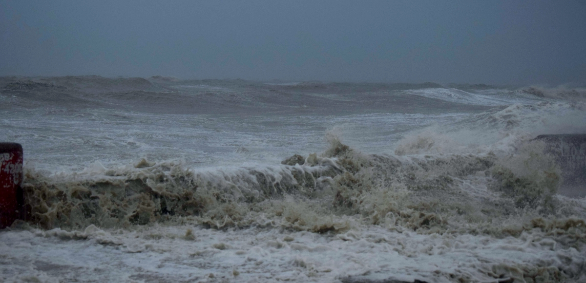 A view of turbulent sea with strong winds on Digha Sea Beach ahead of cyclone Yaas, in East Medinipur on Wednesday.