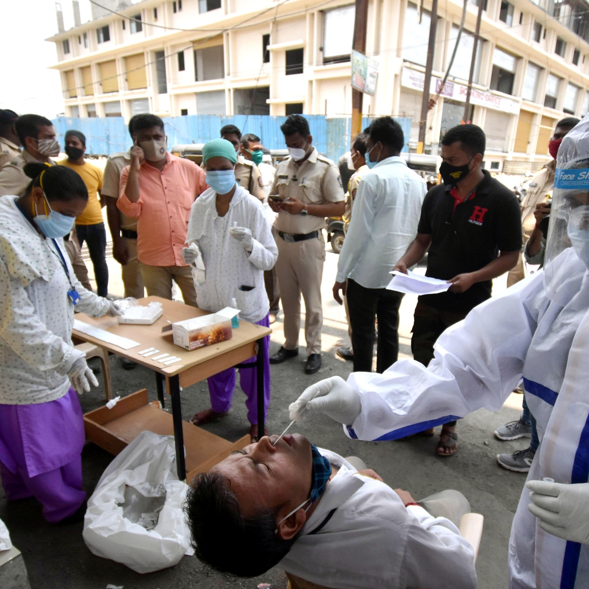 India records single-day spike of 4.03 lakh COVD-19 cases, 4,092 deaths