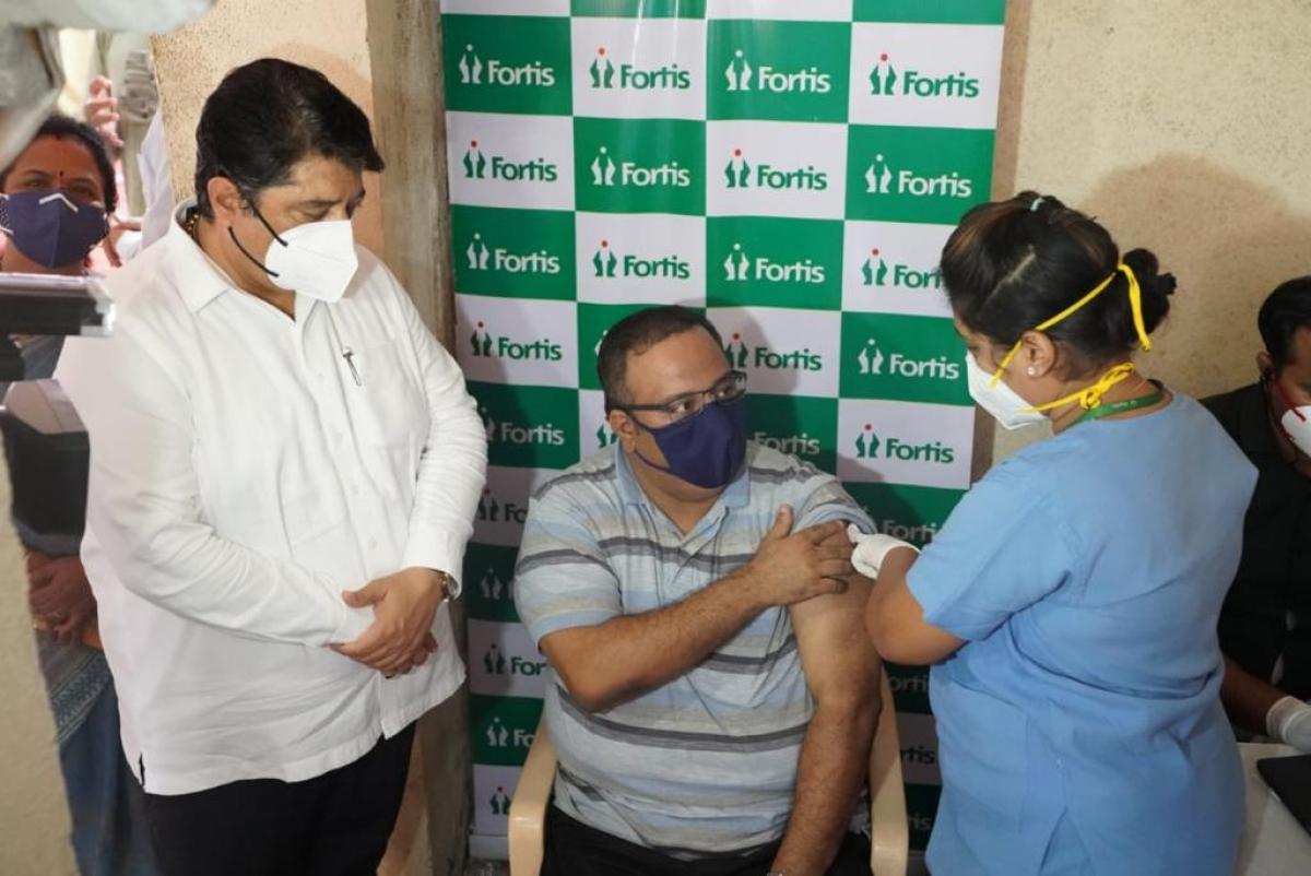 Mumbai: Mulund Society conducts door to door vaccination drive