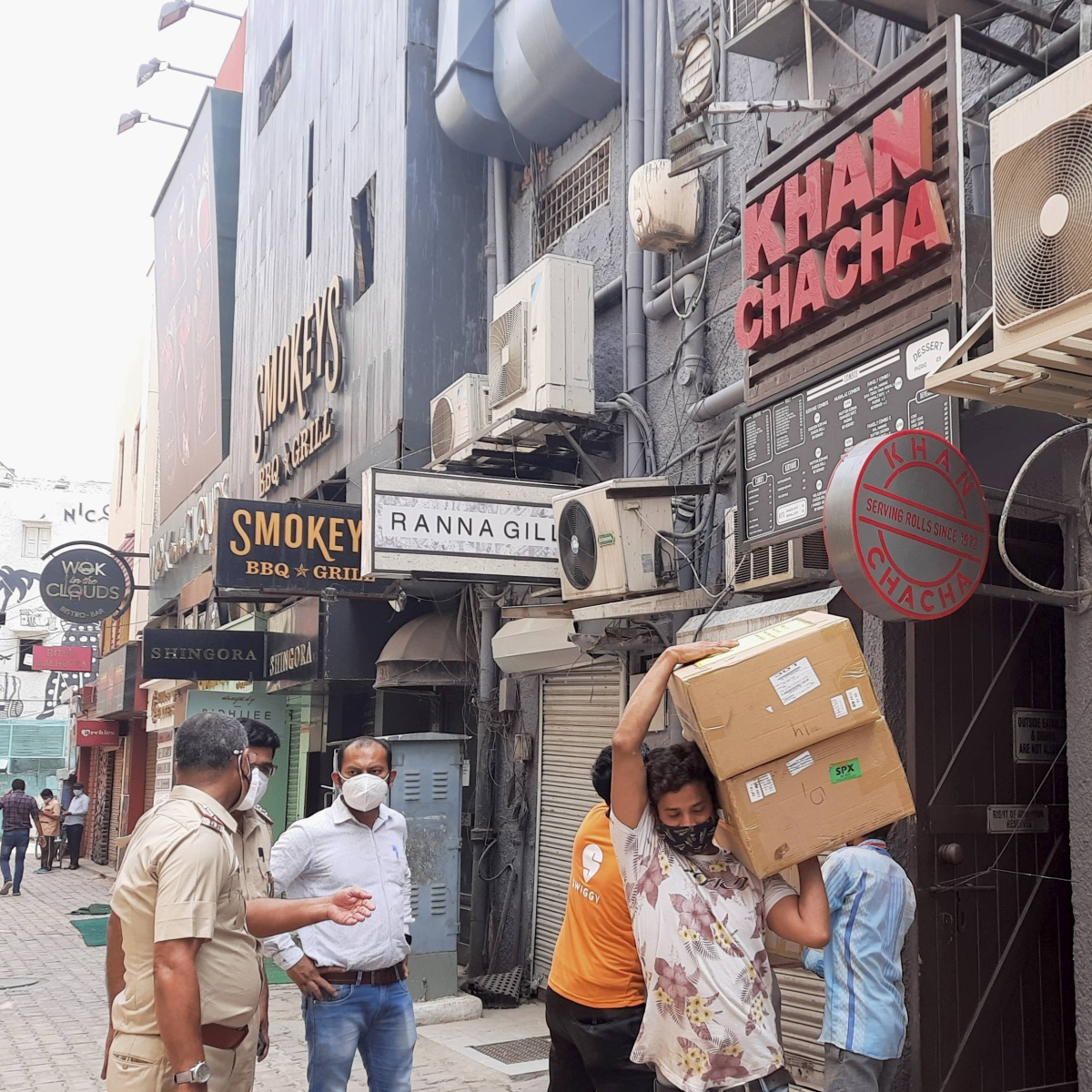 Delhi Police seizes 100 oxygen concentrators from popular Khan Market eatery