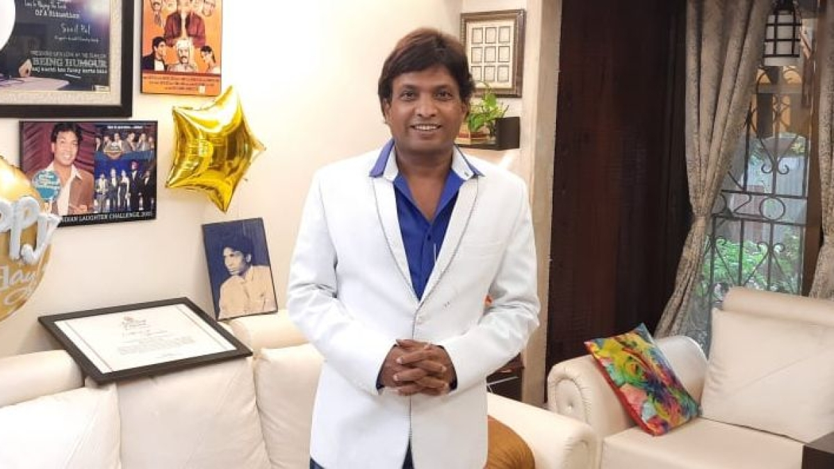 Stand-up comedian Sunil Pal apologises  after FIR over defamatory remarks against doctors