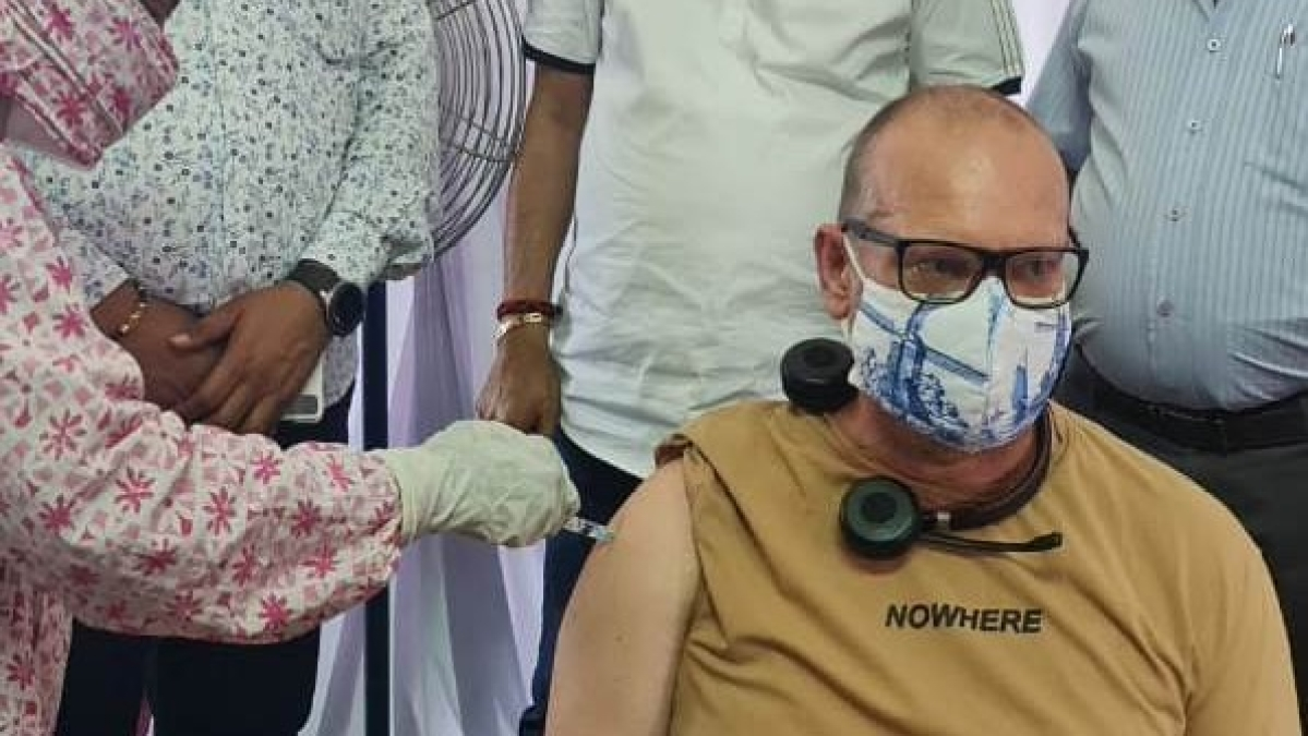 Madhya Pradesh: Netherlands businessman 'based' in Indore takes jabs in the city, says Covishield safe