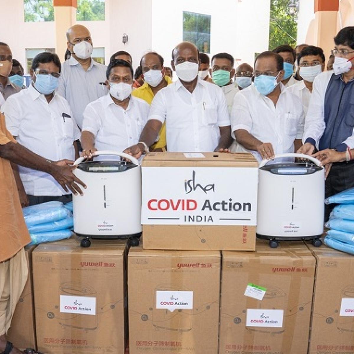 Covid-19: Sadhguru's Isha Outreach donates 500 oxygen concentrators to Tamil Nadu government
