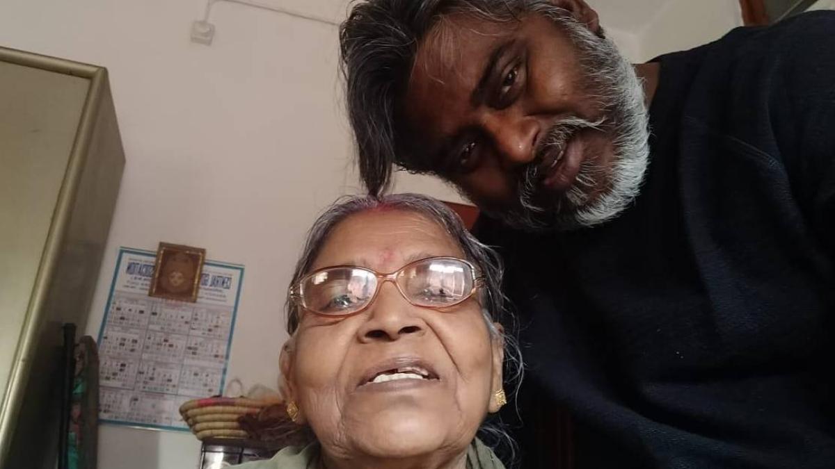 'Mirzapur 2' actor Dibyendu Bhattacharya's mother dies, while he shoots in Turkey