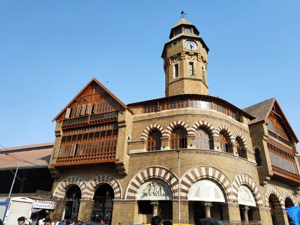 Mumbai: 137 fruit vendors and BMC at loggerheads over relocation issue at Crawford market