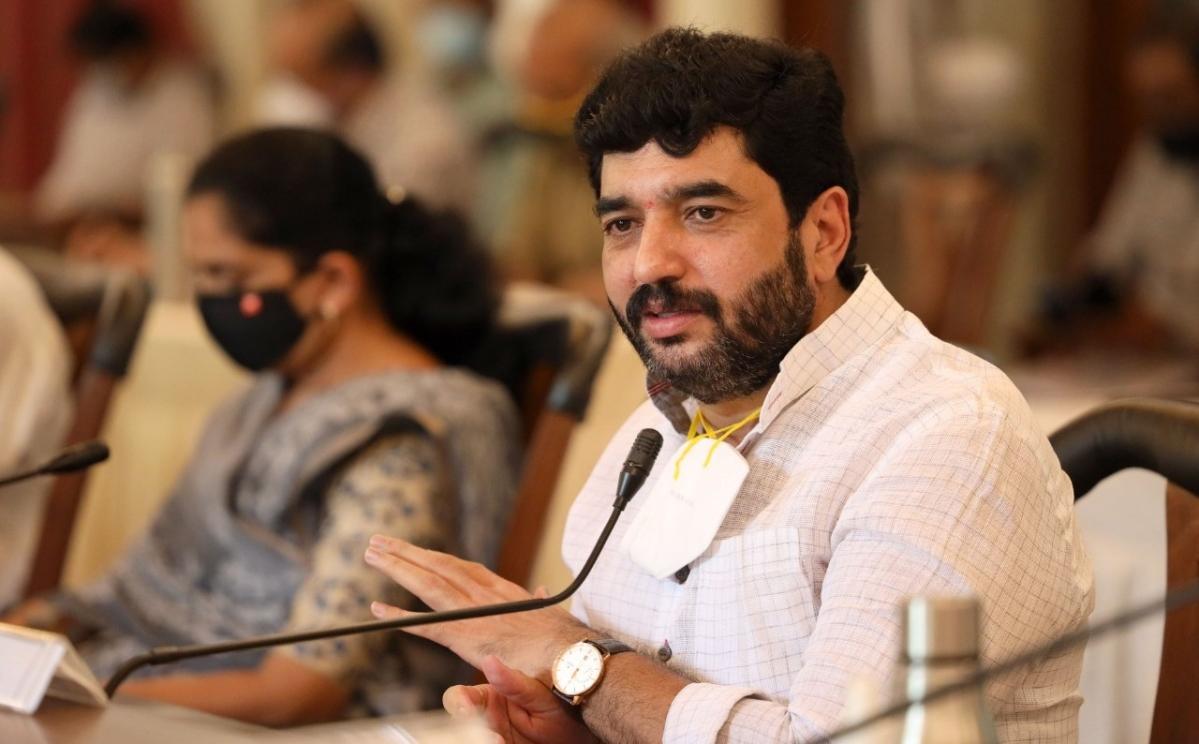 'Impractical': Pune Mayor Murlidhar Mohol urges Maharashtra govt to reconsider decision to ban home isolation