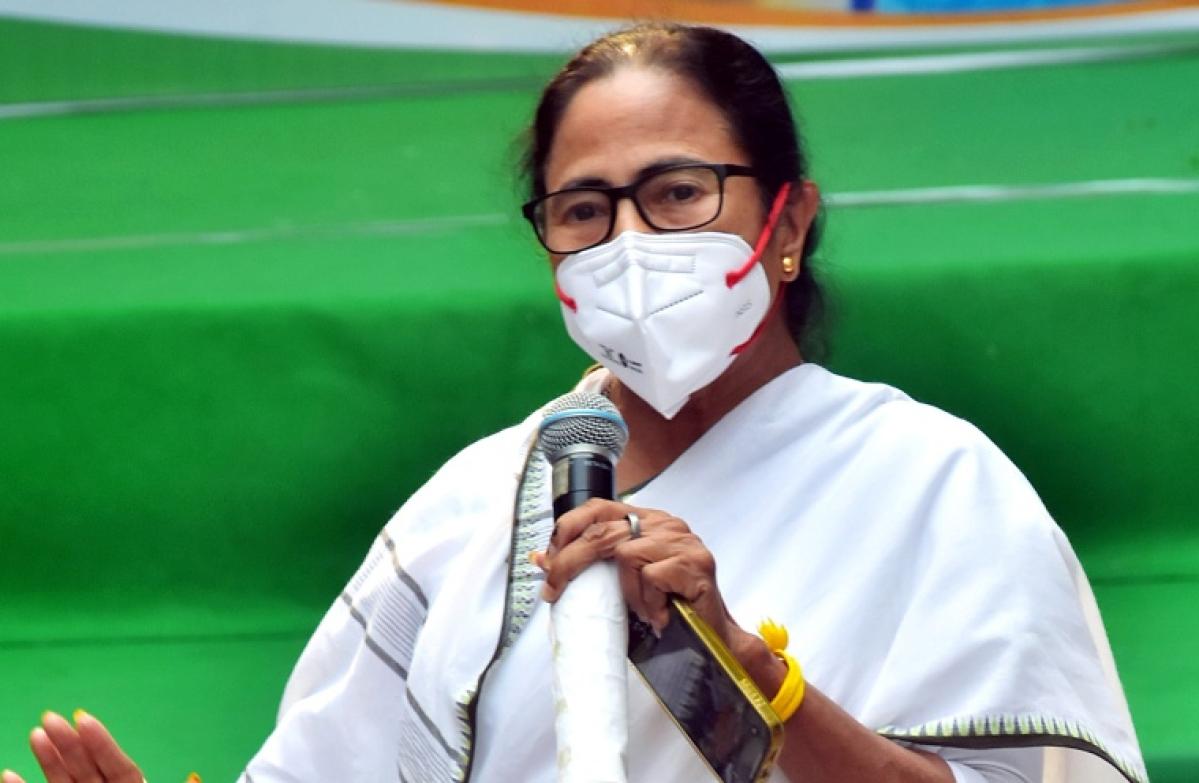 West Bengal Chief Minister Mamata Banerjee addresses media, at her Kalighat residence in Kolkata