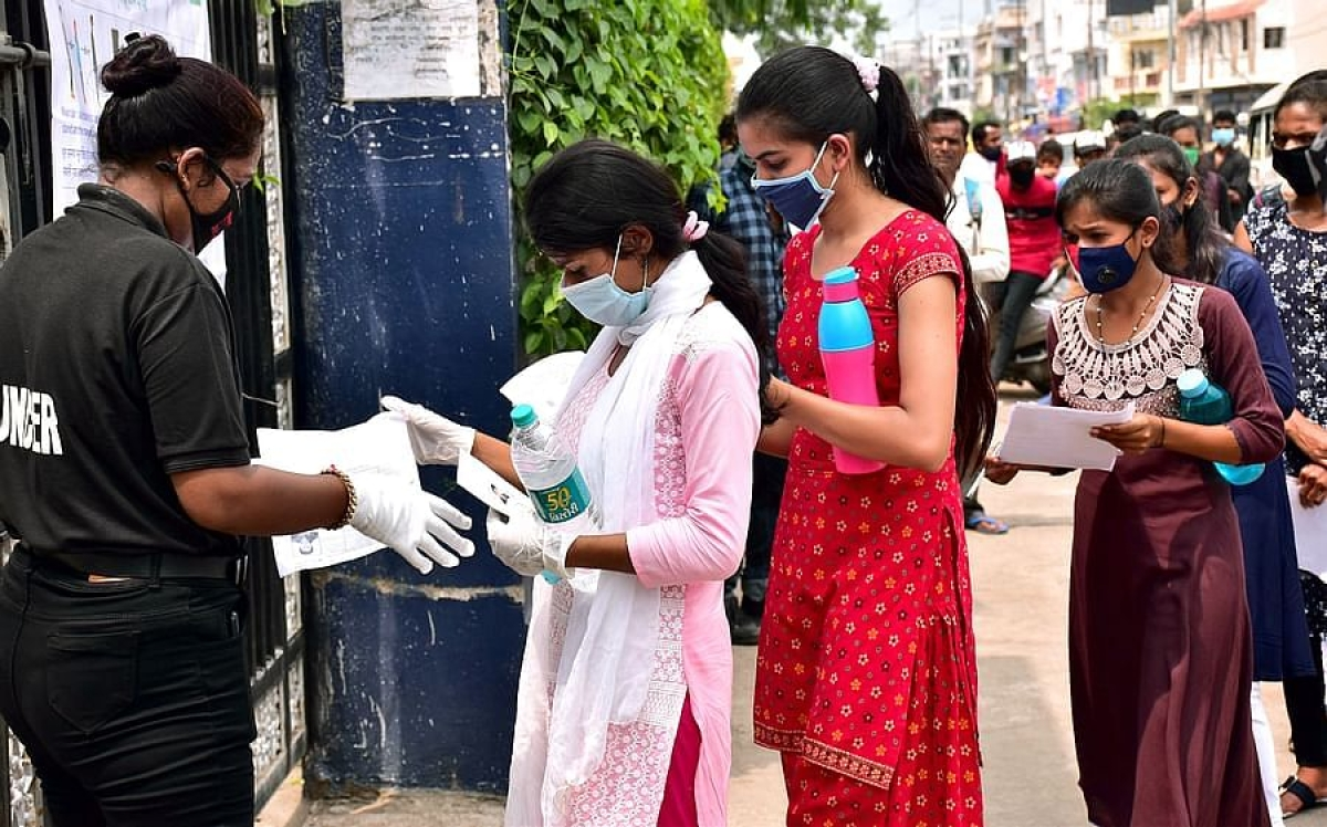 Mumbai: MU LLM students demand postponement, gap between two exam papers