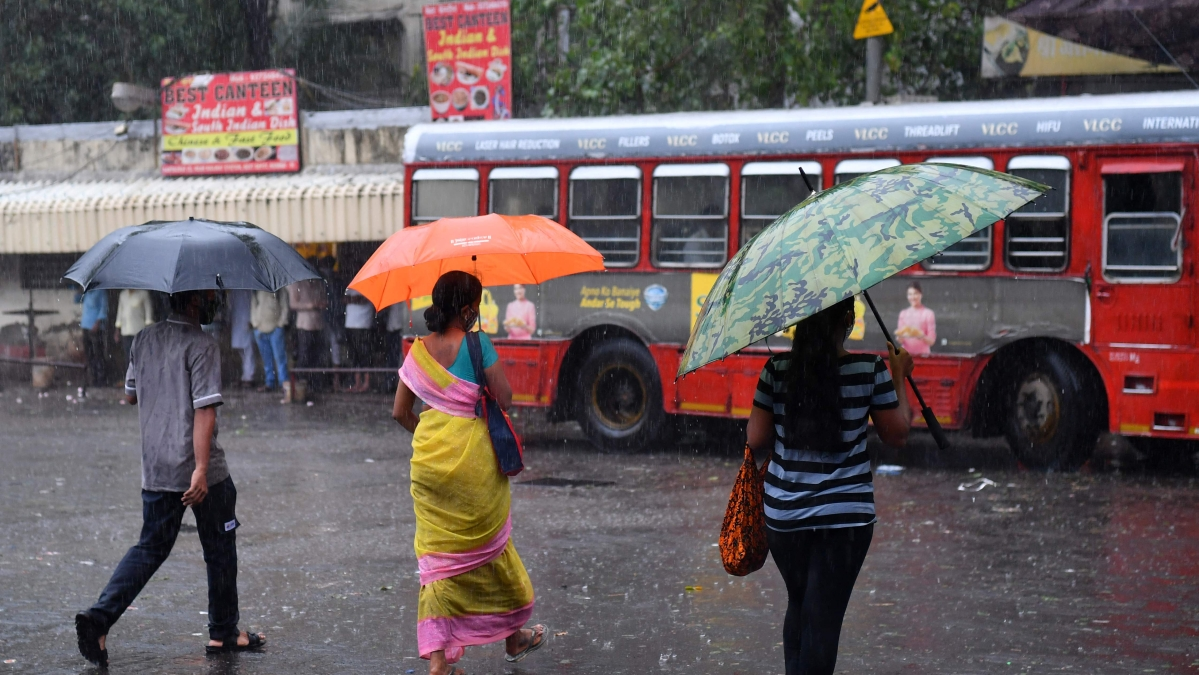 Mumbai weather update: Partly cloudy skies with possibility of light to moderate rain, thundershowers today, says IMD