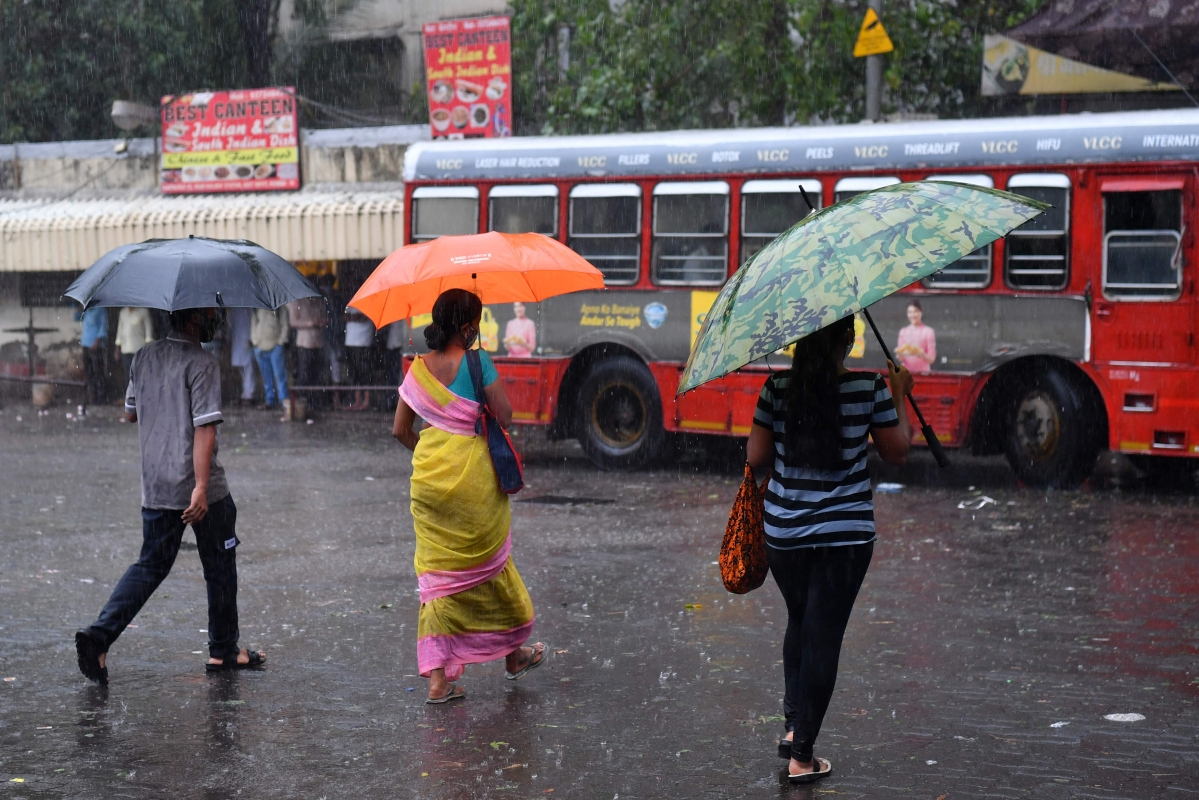 Calm after the storm: IMD predicts light to moderate rain in Mumbai and  suburbs in next 24 hours