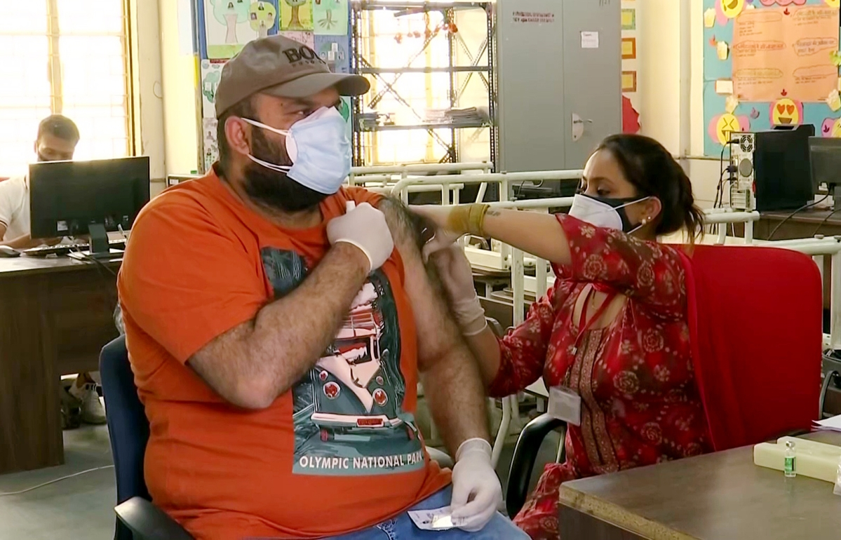 Mumbai: From today, citizens above 45 years can go in for second COVID-19 vaccination dose