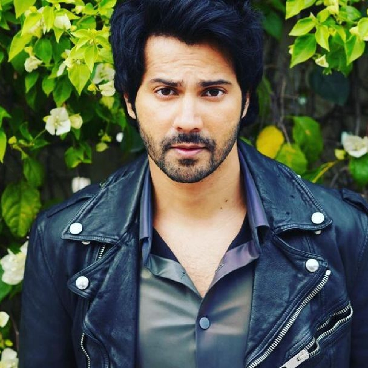 'We didn't fight for land or house, we fought for air': Varun Dhawan pens thought-provoking note amid pandemic