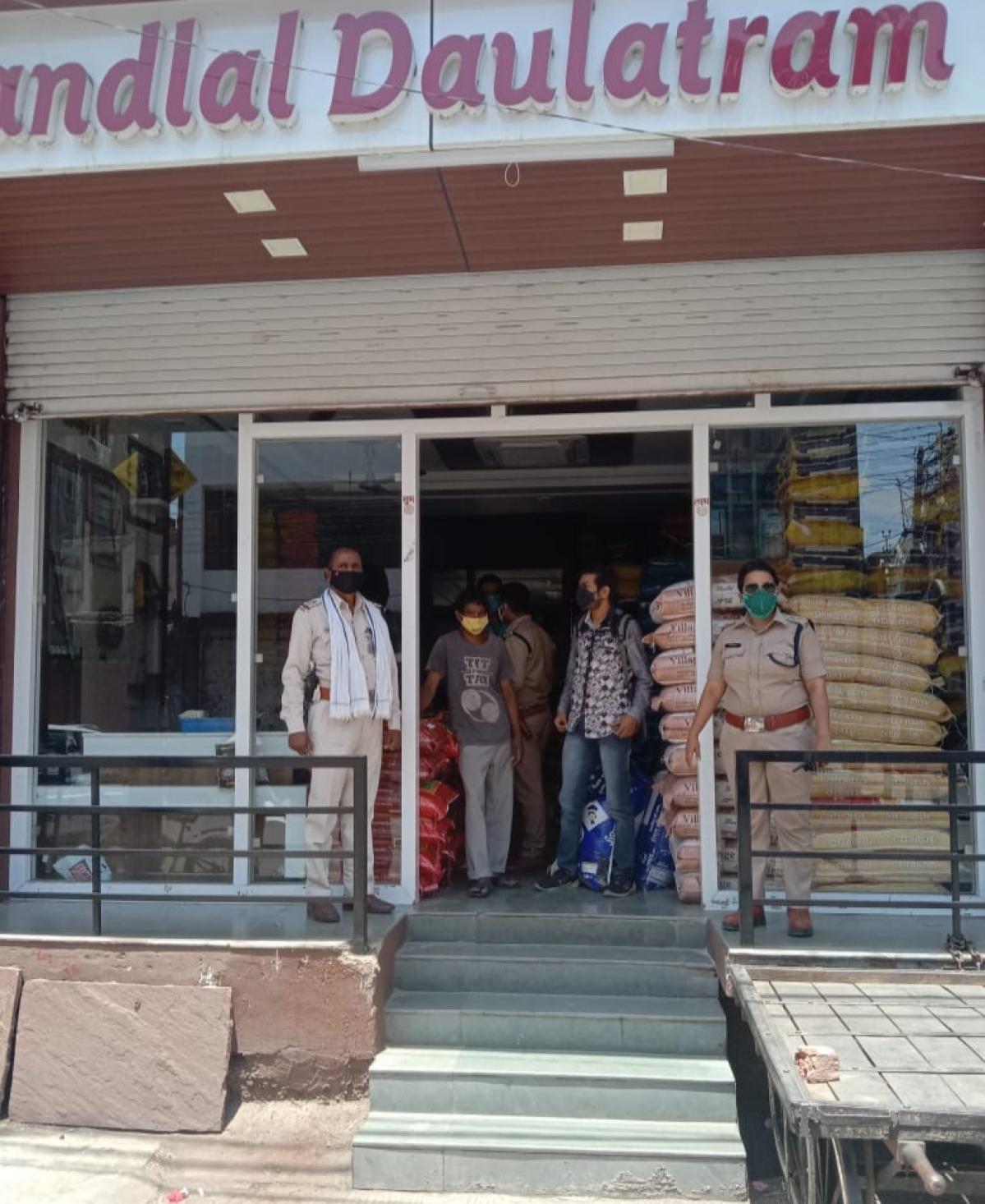 Ujjain: Janta ke traders in defiant mode over Curfew